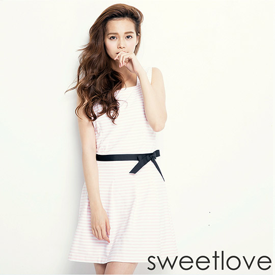sweetlove - 粉條紋彈性棉方領繫黑腰帶背心洋裝 (現貨+預購)