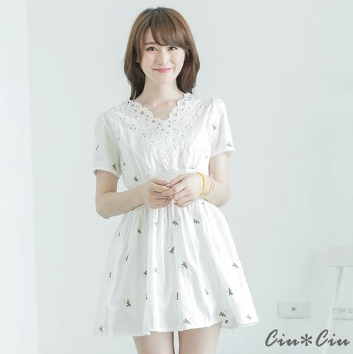 Ciu*Ciu 甜美蕾絲花朵刺繡收腰洋裝-白色